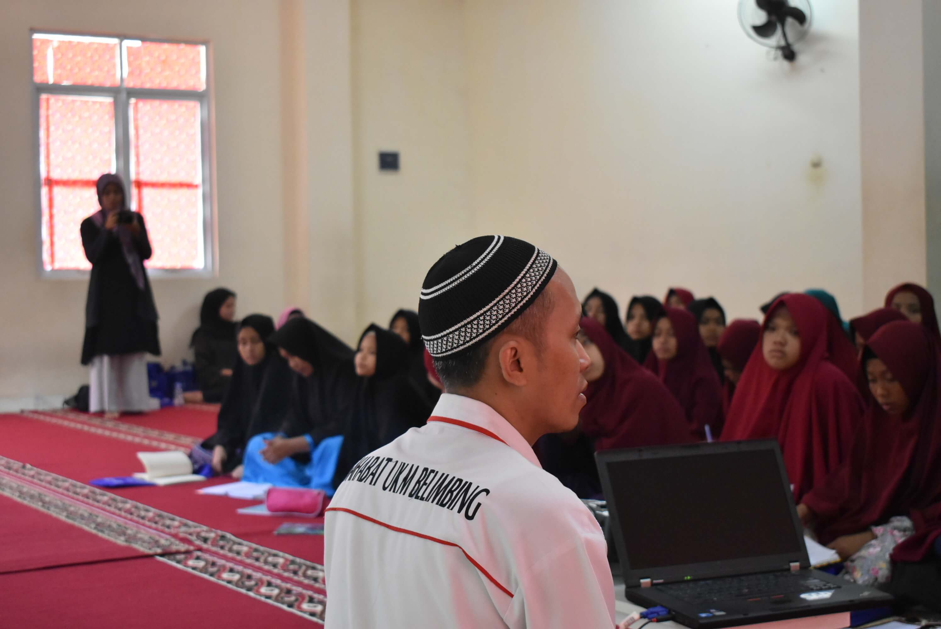 Berbagi Teknologi di Pondok Pesantren Umar bin Khattab